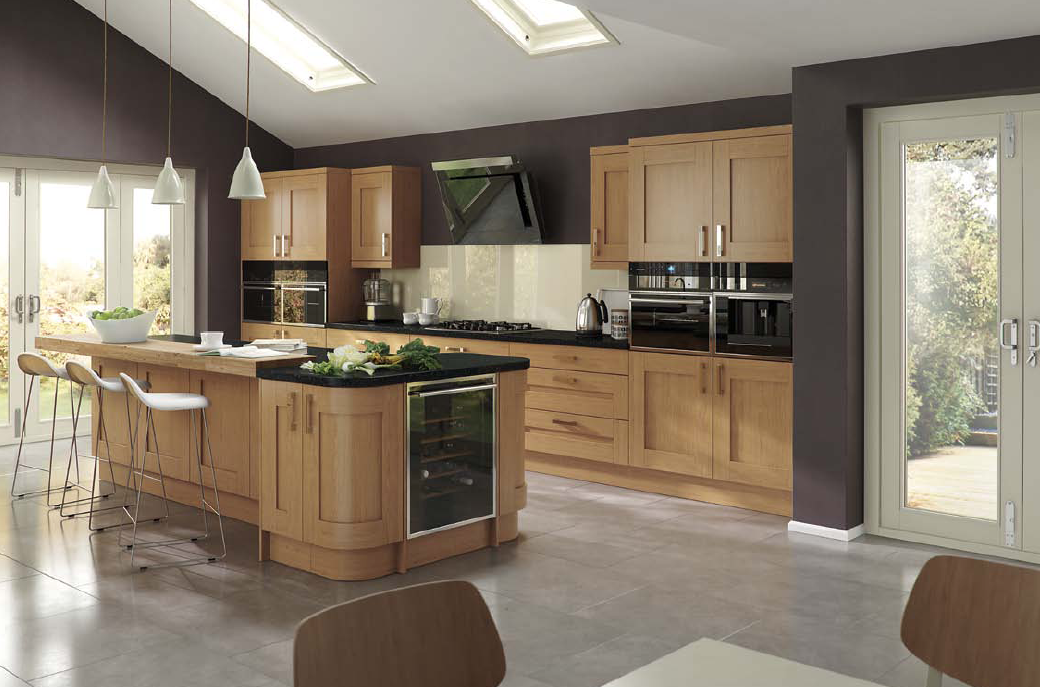 The Townhouse kitchen in Oak effect offers a refreshing fusion of cool urban sophistication and warm rural charm.