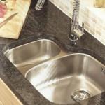 Stainless steel undermounted kitchen sink