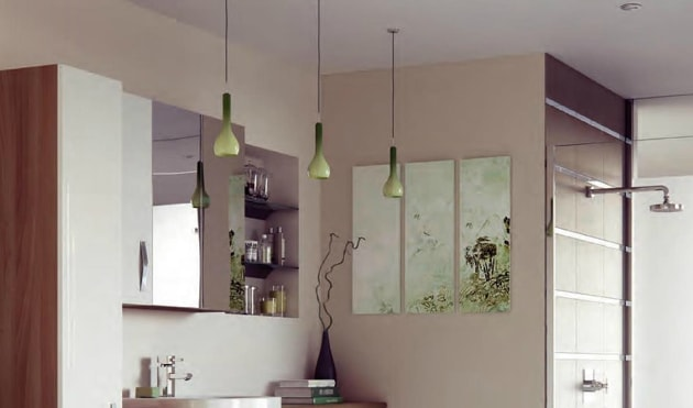 Task lighting in large modern bathroom suite