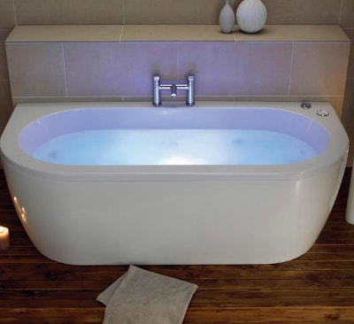 Guide to bathtubs pros and cons bathtub guide knb ltd for Deep built in bathtubs