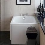 Corner built in bathtub
