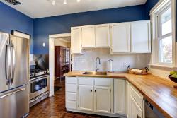 navy blue paint kitchen